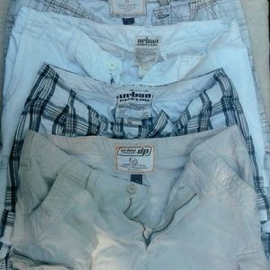 4 Pairs of Size 36 Urban Pipeline Cargo Shorts